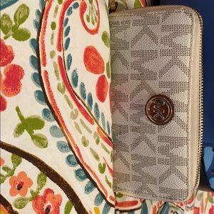 Ladies Michael Kors Wristlet and wallet